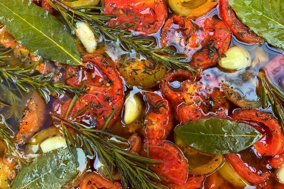 Tomato Confit made in the Puglia Kitchen | The Big Gay Podcast from Puglia